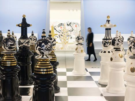 Funtastico-Jaime-Hayon-exhibition-at-Groninger-Museum_dezeen_3